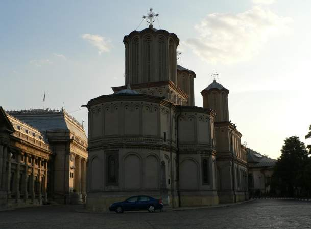 Patriarchal Cathedral, from the altar side. At left is the Patriarchal Palace.