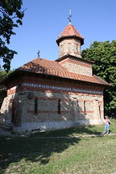 New church from Ipoteşti, dedicated to the Holy Archangels Michael and Gabriel, erected after First World War, at the initiative of Romanian historian Nicolae Iorga - picture from May 2009