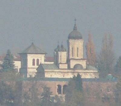 Dealu Monastery seen from Turnul Chindiei (Tower of the former princely courts in Tîrgovişte)